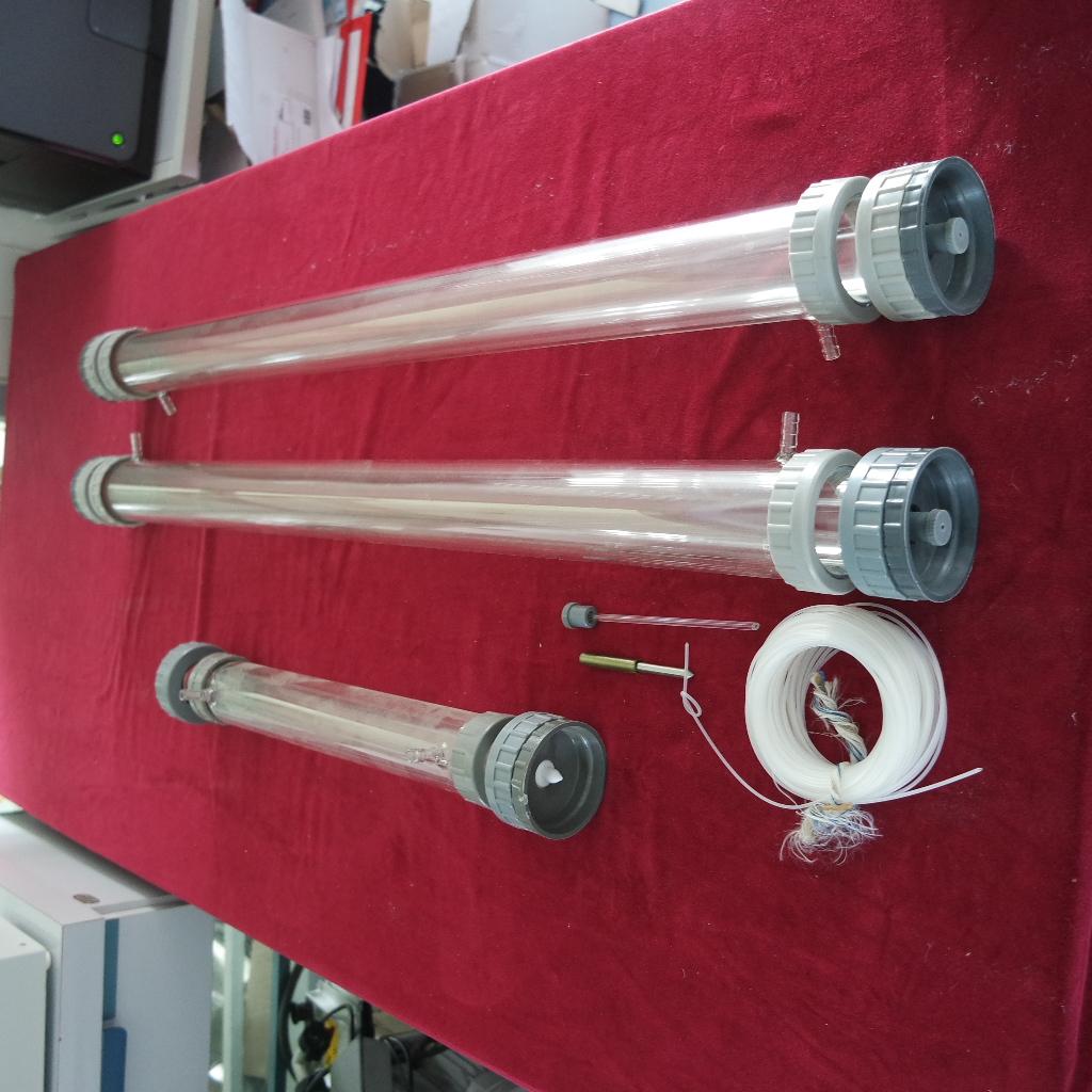 Te koop glazen preparatieve kolommen, als nieuw.