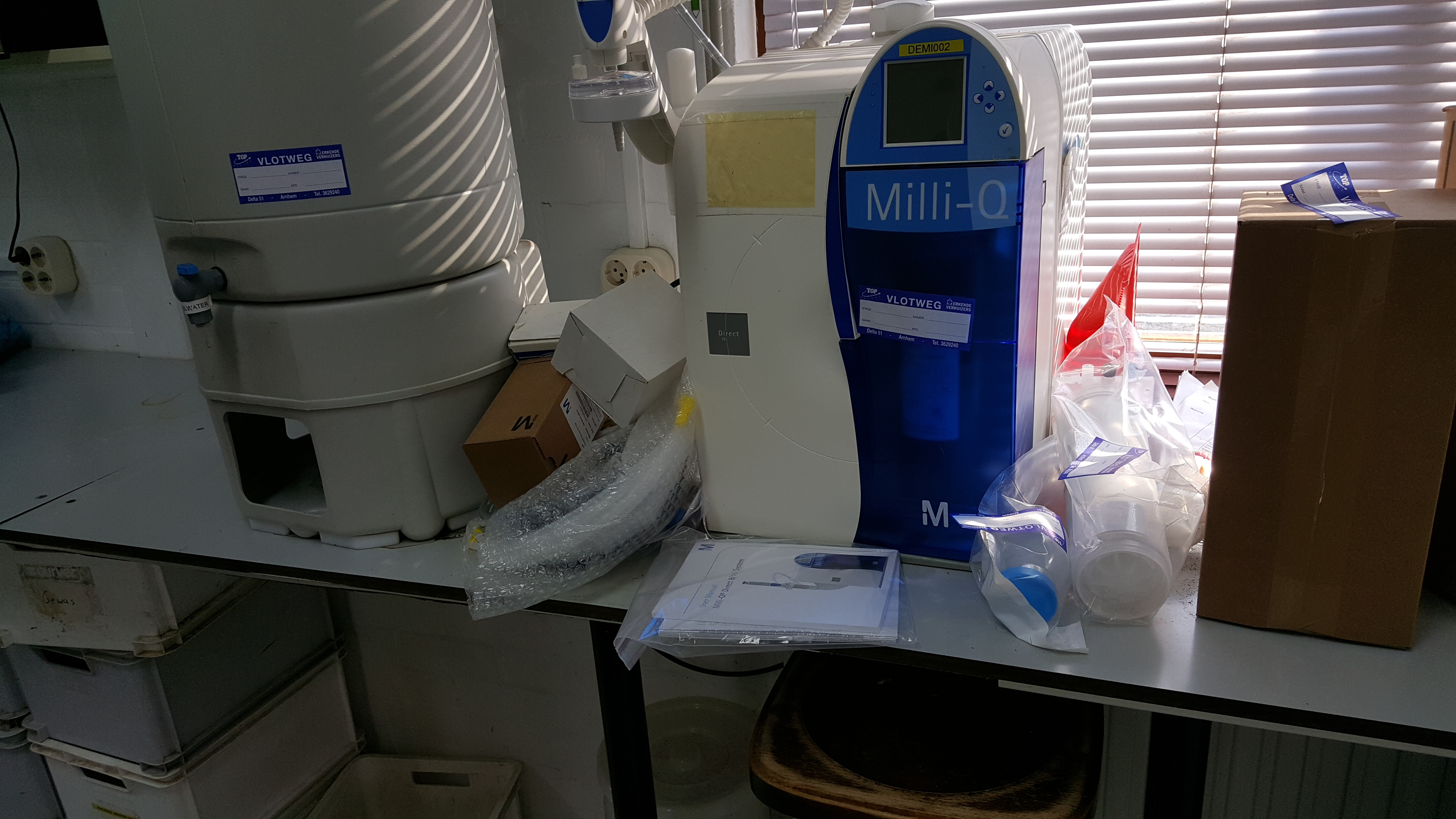 Used Milli Q Direct 16 Water Purification System S A Le
