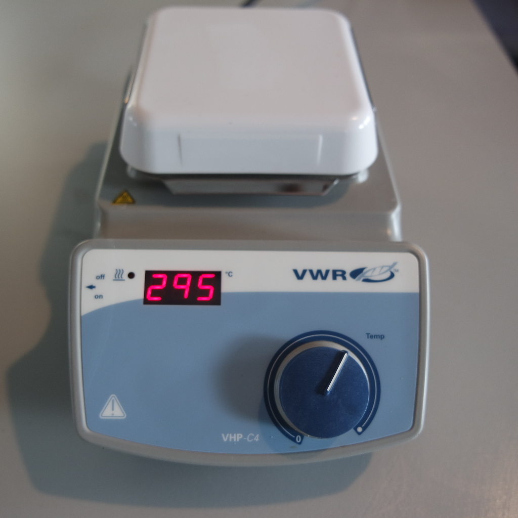 For sale a used hotplate VWR VHP C4 is a compact laboratory hotplate with chemically resistant ceramic top. In excellent state, New € 400, our price € 150.