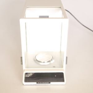 1001- Used analytical balance, Mettler AE 200