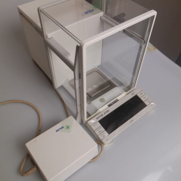Used analytical balance, Mettler AT 200