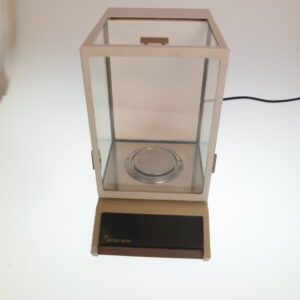 Used Mettler digital analytical balance model AM100