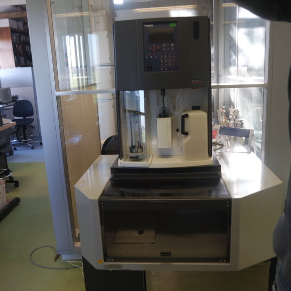 used automated Kjeldahl analyzer, Foss tecator Kjeltec 2400/2460 KT