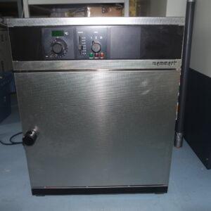 Used Memmert UM 400 oven
