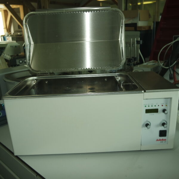 Used Julabo SW21 shaking water bath