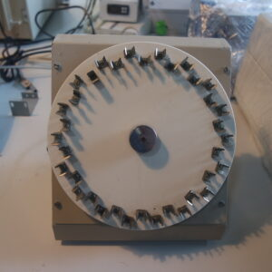1086- Used BKNO rotating test tube mixer