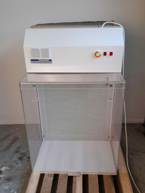 1358 - Used Prettl horizontal laminar flow cabinet