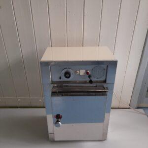 1363 - Used small Memmert oven