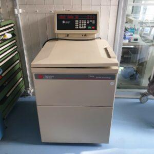 Used Beckman Coulter J6-MC centrifuge