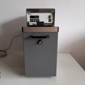 Used Pharmacia Biotech thermostatic circulator
